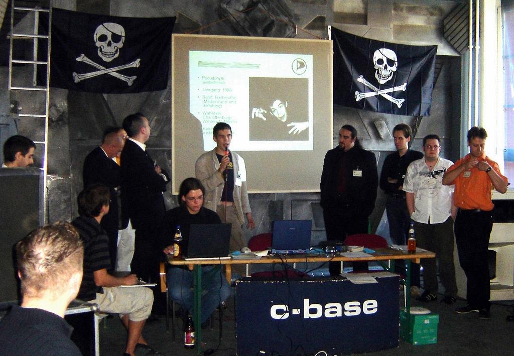 Her begynte det: Grunnleggelsen av det tyske Piratpartiet 10. september 2006 i Berlin (foto: Erik Möller, CC:by)