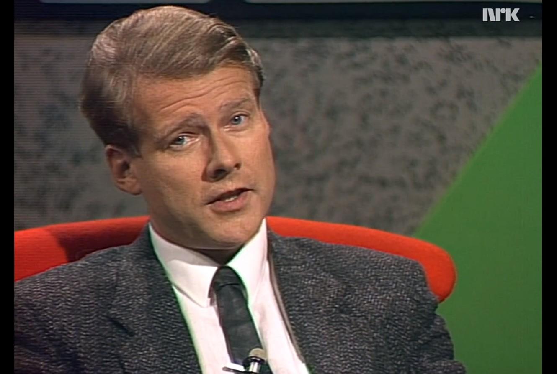 Hagen var en karismatisk skikkelse av en ny, TV-skapt type. (skjermbilde fra NRK-programmet 60 minutter, 1986).