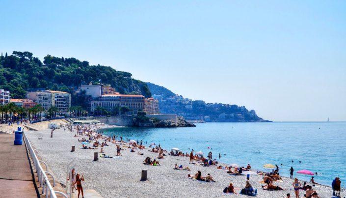 Burkinibølger på den franske Rivieraen