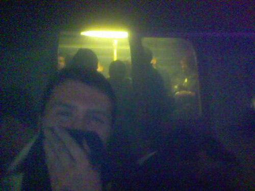 Adam Stacey tok dette bildet med sin mobiltelefon på toget som ble rammet ved t-banestasjonen Kings Cross 7. juli 2005.