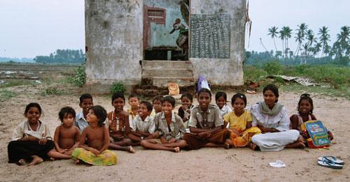 En gruppe dalit-barn (foto: Timothy Gill/Raftostiftelsen)