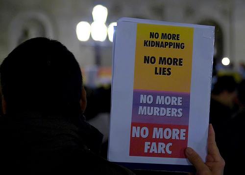 Demonstrasjon mot FARC-geriljaen i Barcelona 4. februar 2008 (foto: BastiSan)