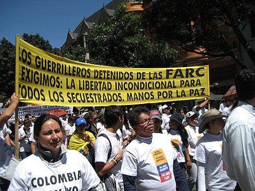 Demonstrasjon mot FARC-geriljaen i Bogota 4. februar 2008 (foto: lozbot)