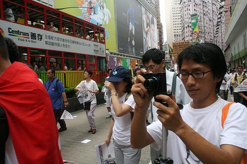 Den kinesiske bloggeren Zhou Shuguang fotografert i Hongkong (foto: chong head)