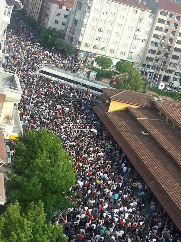 Protests in Eskisehir, Turkey (photo: showdiscontent.com)