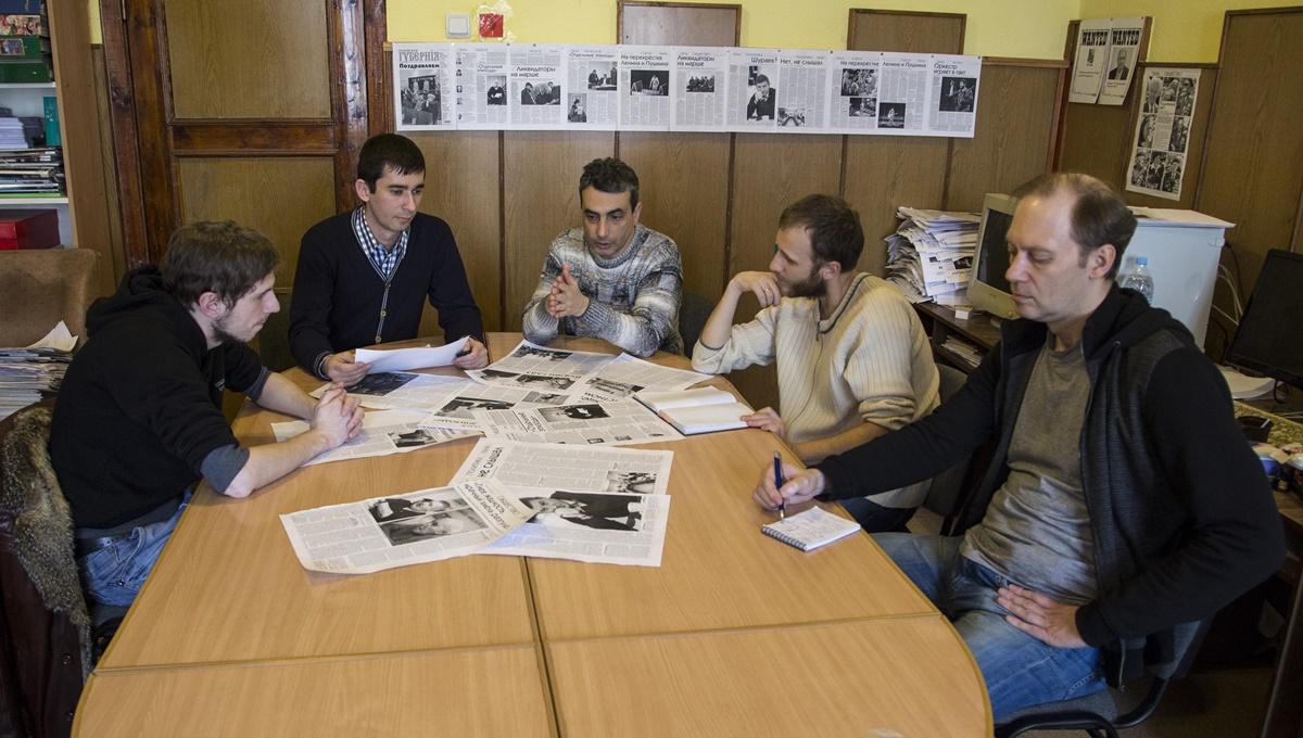 Redaksjonsmøte i ukeavisen Pskovskaja Gubernija (foto: Fritt Ord)