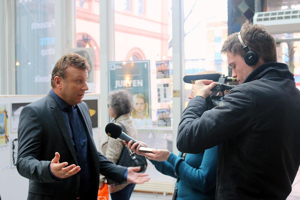 Vebjørn Selbekk intervjues om angrepet på Charlie Hebdo i januar 2015.