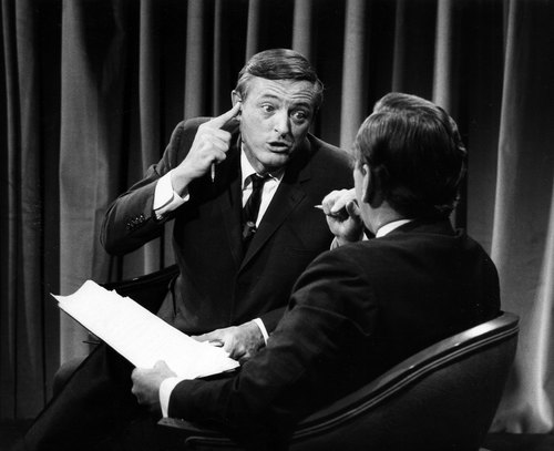 Buckley og Vidal debatterer, 1968. (foto: ABC Photo Archives/ABC via Getty Images/bestofenemiesfilm.com)