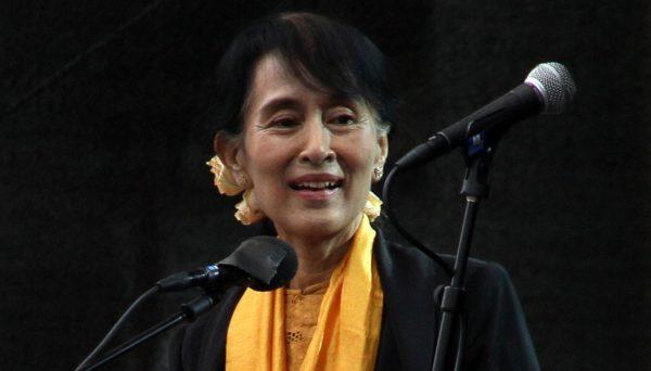 Suu Kyi må fordømme volden